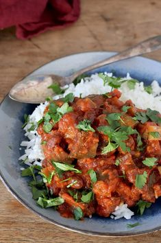 Eggplant curry with small red kidney beans – Recipes Veggie Recipes, Healthy Dinner Recipes, Indian Food Recipes, Vegetarian Recipes, Cooking Recipes, Healthy Meats, Happy Foods, Food Inspiration, English Food