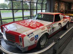 Nascar Cars, Old Race Cars, Funny Cars, Car And Driver, Car Humor, Legends, Rocks, Racing, Baseball