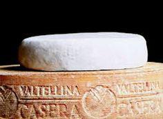 Formaggio SCIMUDIN DELLA VALTELLINA - E' una formagella che la famiglia contadina di un tempo otteneva dal latte munto dai pochi capi di proprietà e consumava dopo una breve maturazione, chiamate col termine dialettale 'Scimudin'.