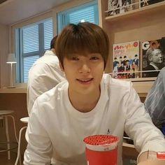 K Pop, Nct Johnny, Jung Yoon, Valentines For Boys, Jung Jaehyun, Jaehyun Nct, Read News, For Stars, Winwin
