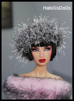Love this unusual hat for Barbie