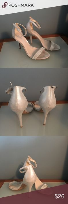 Stylish silver heels by Aldo! Show off that pedicure in these stylish heels by Aldo! Aldo Shoes Heels
