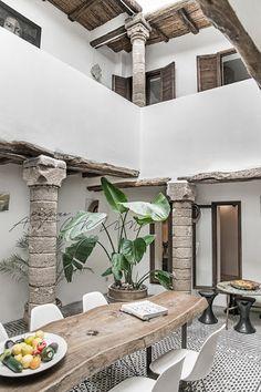 Five Columns Riad, Essaouira Essaouira Medina, Riad Marrakech, Marrakesh, Patio Interior, Interior Exterior, Interior Architecture, Design Exterior, Patio Design, House Design