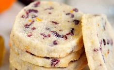 Add these easy Cranberry Orange Shortbread Cookies to your holiday baking list this season! Plus, three secrets to irresistible shortbread cookies! Easy To Make Cookies, Easy Cookie Recipes, Dessert Recipes, Cranberry Recipes, Holiday Recipes, Christmas Recipes, Cranberry Cheesecake, Cranberry Almond, Holiday Treats