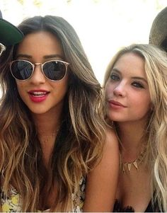 On aime les cheveux de : Shay Mitchell