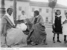 1910 - Mulheres descansando. Foto de Vincenzo Pastore. Acervo do Instituto Moreira Salles.