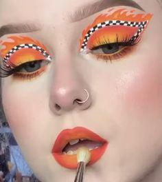 Edgy Makeup, Makeup Eye Looks, Eye Makeup Art, Crazy Makeup, Cute Makeup, Makeup Eyes, Weird Makeup, Arabic Makeup, Indian Makeup