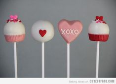 I'm a real sucker for cake pops (haha get it?) and these Valentine cake pops are as sweet as can be! Cake Pops Roses, Pink Cake Pops, Starbucks Cake Pops, Chocolates, Cake Pop Decorating, Decorating Ideas, Valentines Day Cakes, Valentine Cupcakes, Valentine Treats