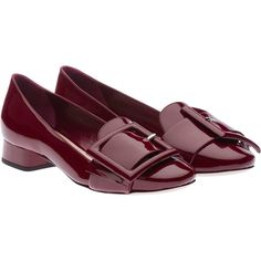 Miu Miu Loafers (49.220 RUB) ❤ liked on Polyvore featuring shoes, loafers, purple red, small heel shoes, loafers & moccasins, patent leather loafers, red loafers and red shoes