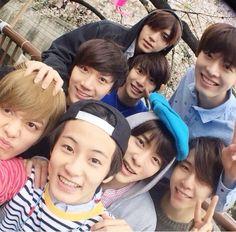 SMRookies family - Taeyong, Yuta, Doyoung, Ten, Jaehyun, Johnny, Hansol & Mark