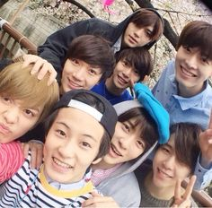 SMRookies family - Taeyong, Jaehyun, Ten, Johnny, Handol, Doyoung, Yuta and Mark