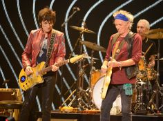 The Rolling Stones final night at the Chicago United Center had arrived!     Go here to vote for the band to play your song choice: