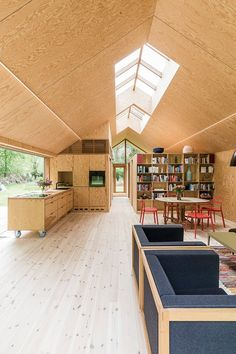 Architecture – Enjoy the Great Outdoors! Chalet Modern, Plywood Interior, Wooden House, Tiny House Design, House In The Woods, Minimalist Home, Interior Architecture, Interior Modern, Interior Design