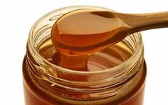 The Benefits of Manuka Honey - Can New Zealand's much-hyped 'superfood' really heal, both inside and out?