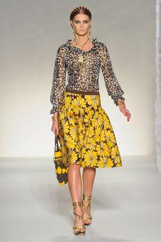Retro Floral Prints & Cut     Moschino Spring - Summer 2012 Fashion