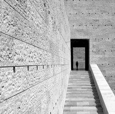 texctured concrete/limestone cladding  http://www.photopoly.net/44-wonderful-minimalist-photography-inspirations/