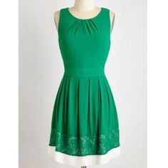 Lovely kelly green dress from Modcloth Sunny Girl kelly green dress with pleated waist and neckline ties at back and has a white hem panel with green lace. Fully lined. Sunny Girl Dresses