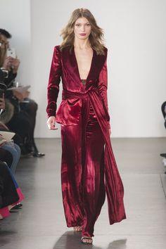 Pamella Roland at New York Fashion Week Fall 2017 - Runway Photos