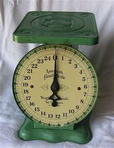 I just love vintage kitchen scales Love Vintage, Vintage Green, Vintage Decor, Vintage Antiques, Retro Vintage, Vintage Items, Vintage Colors, Vintage Stuff, Old Kitchen