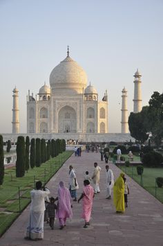 did you know.. the Taj Mahal takes on different colouring at different times of the day, from a pinkish hue in the morning, to milky white in the evening and golden at night when lit by the moon. they say the changing colour resembles the changing mood of females - in particular the Emperor's Queen