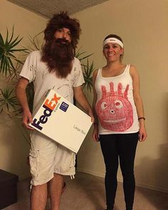 Looking for a maternity Halloween costume? Then you are in the right place! We have found 41 Halloween costume ideas for pregnant women. Pregnant Couple Halloween Costumes, Pregnancy Costumes, Family Halloween Costumes, Halloween Party, Maternity Halloween, Halloween 2019, Women Halloween, Halloween Inspo, Funny Halloween