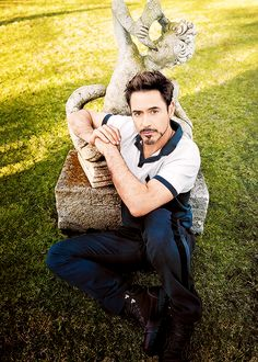 Robert Downey jr more handsome than cute but whatever :) This one's for you Chaza! Robert Downey Jr., Robert Jr, Iron Man Tony Stark, The Best Films, Downey Junior, American Actors, Beautiful Men, Beautiful People, Actors & Actresses