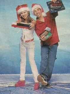 Feliz Natal : Hoje é um dia especial porque tem o domingo da gente com Sandy & Junior não percam ;) -------------------------------------------------------------------------------------------------------------------------------------------- Feliz Natal <3 amigas queridas , Aninha , Jessica , Tá , Helô , Liz, Karina ,Viviane Pascale ,Mara , Fernanda  pela amizade e tudo mesmo o meu muito obrigada <3 ----- Que venha 2014 com paz, amor , harmonia e companheirism