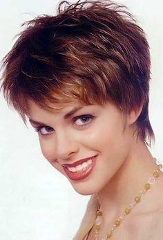 30 Cute Short Hairstyles Pixie cut with Cool Layers and Charming Little Spikes - LIKE IT - SR