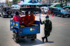 Lokalna  taksówka/na granicę z Birmą/
