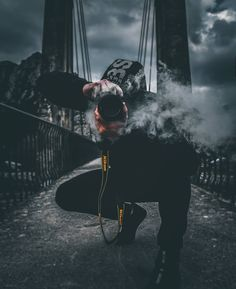 Portrait Photography Men, Smoke Photography, Perspective Photography, Photography Editing, Urban Photography, Creative Photography, Amazing Photography, Cool Pictures, Beautiful Pictures