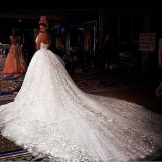 @nicolasjebran #weddingdress lebaneseweddings #weddingideas#royalwedding #weddingdecoration #bride #bridaldress #designerdress #lebaneseweddings #nicolasjebran #weddingday #lebaneseweddings