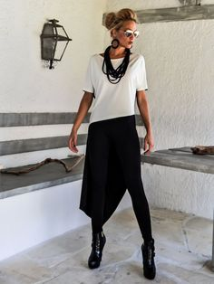 Black & Ivory Asymmetric Blouse / Black and от SynthiaCouture