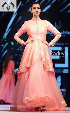 #keralafashionleague #kfl #kochifashion #hyderabaddesigner #coutureindia #inidancouture #peachfashion Contact Details:040-65550855/9949047889 Watsapp:8142029190/9010906544 Email-id:Mugdha410@gmail.com Instagram:MugdhaArtStudio