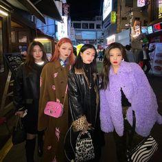 Asian Street Style, Korean Street Fashion, Asian Fashion, Mode Outfits, Fashion Outfits, Best Friends Aesthetic, Scandinavian Fashion, Mode Streetwear, Friend Photos