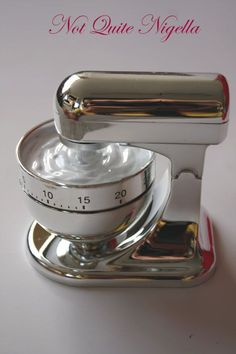THIS IS AT TOP OF LIST! I really want a timer that looks like a kitchenaid