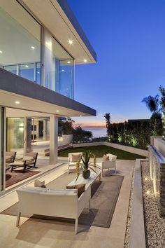 livingpursuit: Sea Cliff House | McClean Design