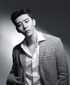 He giving models a run for their money Korean Actresses, Asian Actors, Korean Actors, Actors & Actresses, Kdrama, Korea Boy, Korean Men, Hot Boys, Handsome Boys