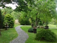 Botanická zahrada, Prague Prague, Places To Visit, Sidewalk, Landscaping, Gardening, Side Walkway, Sidewalks, Places Worth Visiting, Pavement
