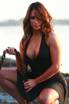 Jessica Anderson won the first ever National Bikini Overall Champion title at the first NPC National Bikini competition in Hollywood Florida in November 2009 and got her IFBB Pro card at the same event.