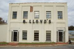 The old B. Lloyd's building is another piece of Barnesville history.  Mr. B. Lloyd Woodall opened a pecan store in Barnesville around 1930, and the business quickly spread, with locations on U.S. highways throughout Georgia.