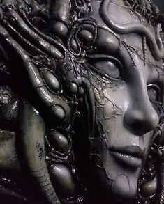 Detail of the three-dimensional sculpture from Giger's classic Li II painting. Dark Fantasy Art, Dark Art, Hr Giger Tattoo, Bio Organic Tattoo, Hr Giger Art, Giger Alien, Arte Cyberpunk, Tattoo Project, Alien Art