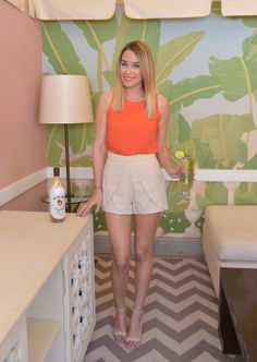 d04a9c67a92 Lauren wearing LC Lauren Conrad shoes at Malibu Island Spiced Hosts