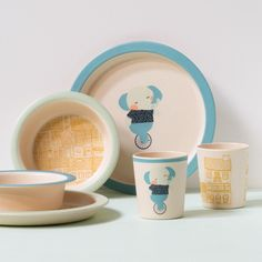 Fun, but practical children's dinner sets made from bamboo fibres. In shops now. Prices from DKK 9,94 / SEK 13,66 / NOK 14,48 / EUR 1,38 / ISK 264 / GBP 1.33