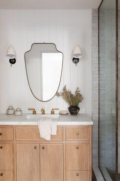 Decoration Design, Deco Design, Tile Design, Bathroom Trends, Bathroom Ideas, Bathroom Inspo, Bath Ideas, Bathroom Mirror Design, Bathroom Goals