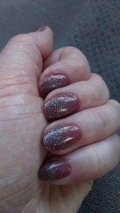 Glitter gel manicure