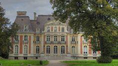 Parc du Château de la Fontaine à Brétigny-sur-Orge - Facade et entrée du Château
