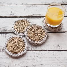 This set of 4 natural and hand woven wicker drink mats bring an organic style to your kitchen and dining table.