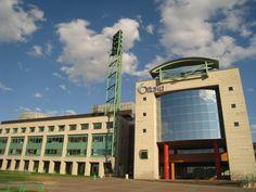 Ottawa_City_Hall_Hotel_de_ville_d'Ottawa.jpg (2592×1944)