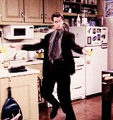 Chandler Bing the dancing king. Chandler Friends, Joey Friends, Serie Friends, Friends Cast, Friends Episodes, Friends Gif, Friends Moments, I Love My Friends, Friend Memes