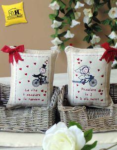 8849d4807e Coppia di cuscini con dedica ricamata Angelica Home & Country